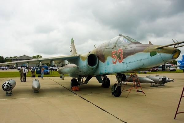 Su-25 của Nga rơi khi huấn luyện, phi công tử nạn - ảnh 1
