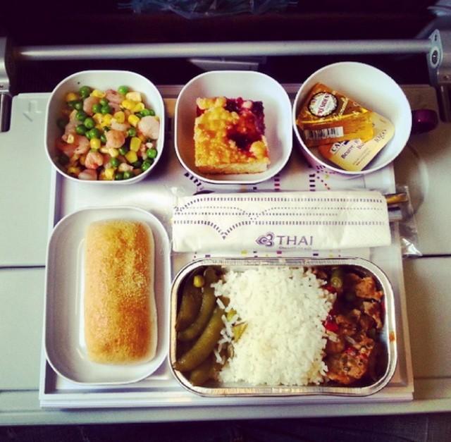Sự khác biệt về các bữa ăn giữa các hãng máy bay trên thế giới - ảnh 6