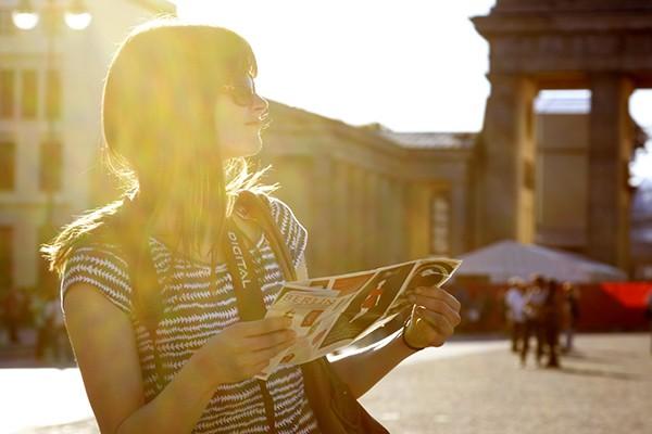 Những mẹo tuyệt đối không thể quên khi đi du lịch một mình - ảnh 1