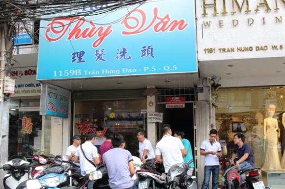 Phố hớt tóc có chân dài bán dâm 1 triệu đồng/lượt ở Sài Gòn - ảnh 2