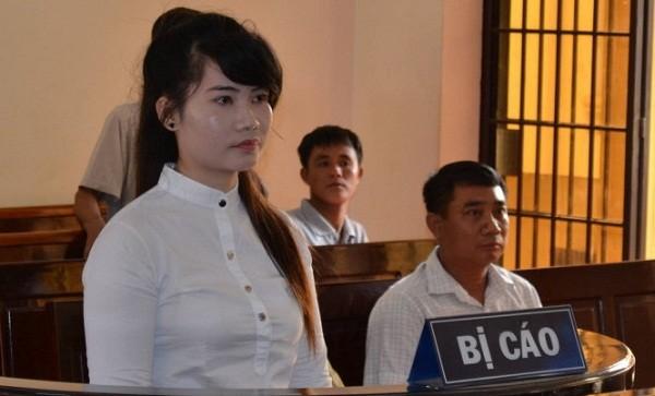 Nhiều đại gia 'sập bẫy' nữ nhân viên ngân hàng xinh đẹp - ảnh 1