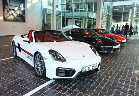 Mãn nhãn với loạt siêu xe Porsche 911 giá từ 6,7 tỷ đồng - ảnh 1