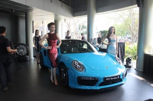 Mãn nhãn với loạt siêu xe Porsche 911 giá từ 6,7 tỷ đồng - ảnh 2