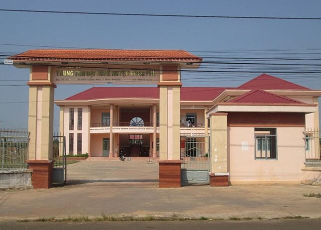 Trung tâm dạy nghề xây tiền tỷ rồi bỏ hoang - ảnh 1