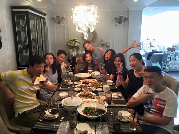 Ngọc Thúy làm party vui vẻ, dù 'tình địch' Phan Như Thảo nổi đóa - ảnh 8