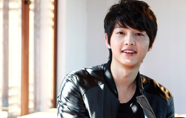 Bất  ngờ với điều ít ai biết về Song Joong Ki 'Hậu duệ mặt trời' - ảnh 1