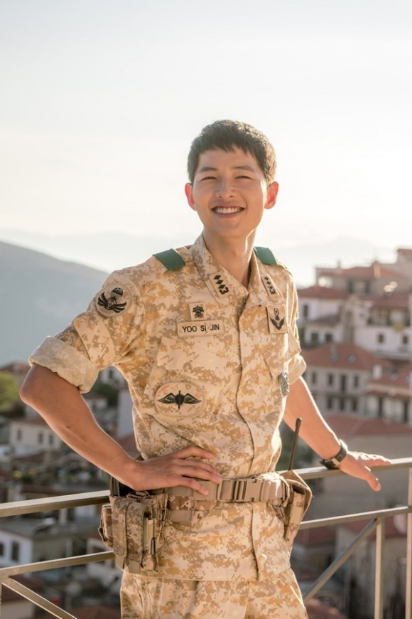 Bất  ngờ với điều ít ai biết về Song Joong Ki 'Hậu duệ mặt trời' - ảnh 5