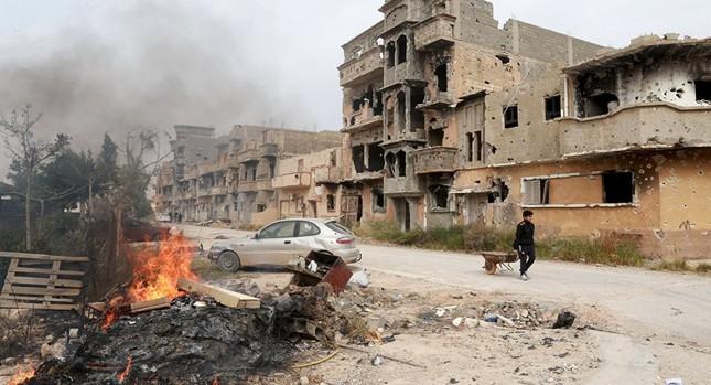 Ảnh vệ tinh tiết lộ đặc nhiệm Pháp chiến đấu chống IS ở Libya - ảnh 1