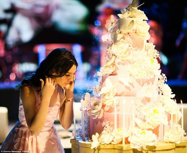 Mãn nhãn với tiệc sinh nhật tốn 120 tỷ của tiểu thư Maya - ảnh 3