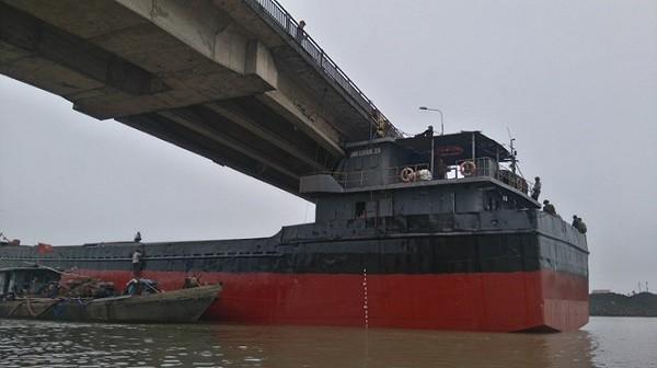 Đã có thể giải phóng tàu đâm sập cầu An Thái ở Hải Dương - ảnh 1