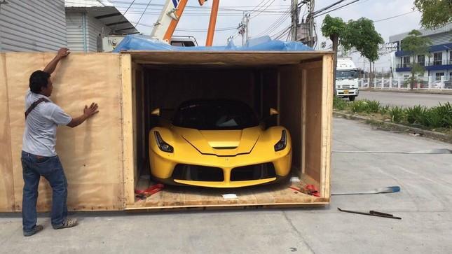 Ngỡ ngàng trước siêu phẩm Ferrari LaFerrari đầu tiên tại Thái Lan - ảnh 1