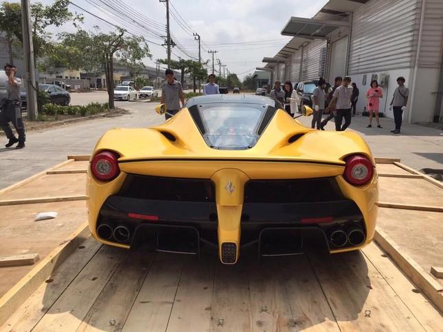 Ngỡ ngàng trước siêu phẩm Ferrari LaFerrari đầu tiên tại Thái Lan - ảnh 3
