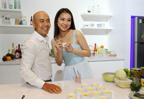 Ái Châu 'rủ' Hoa hậu Thùy Lâm buông lơi vòng một hút mọi ánh mắt - ảnh 5