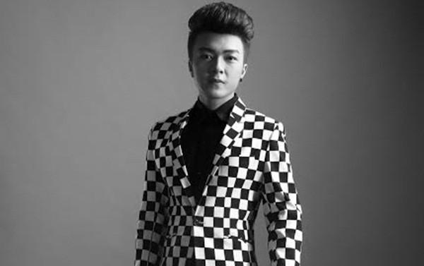 Khánh Hoàng 'tố' Tùng Dương đang hạ thấp nghệ sĩ trẻ hát Bolero - ảnh 1