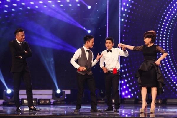 Thí sinh Vietnam's Got Talent lấy búa đập đồng hồ của Trấn Thành - ảnh 4