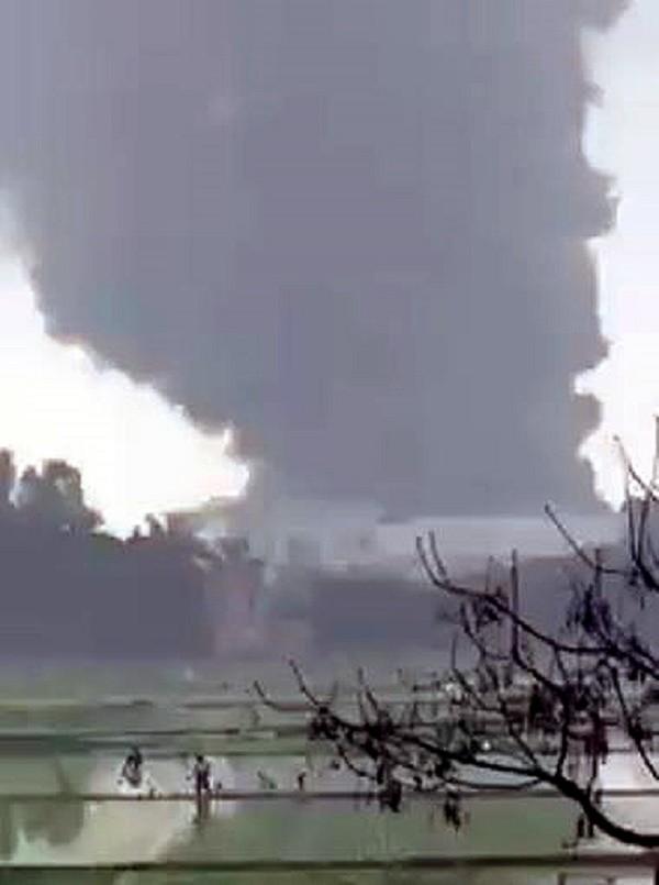 Làm rõ nguyên nhân KCN chìm trong biển lửa ở Hưng Yên - ảnh 1