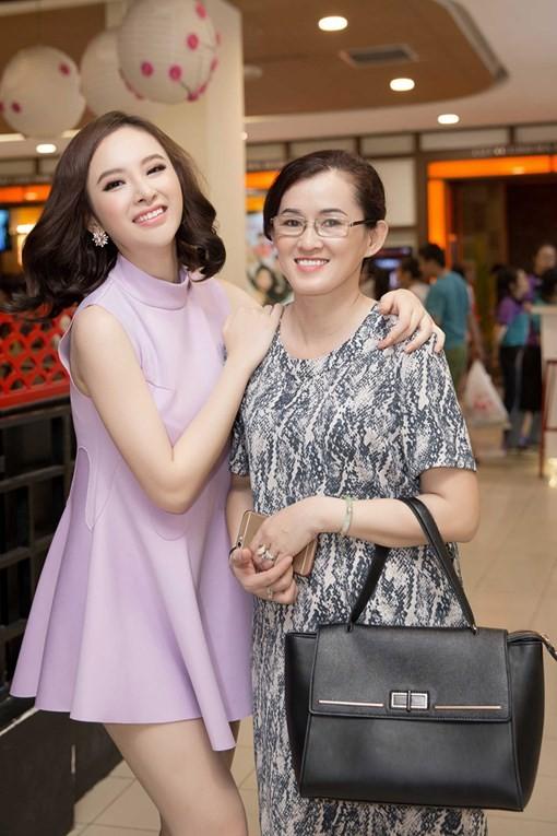 Mẹ Angela Phương Trinh trải lòng chuyện con thoát mác 'gái hư' - ảnh 2