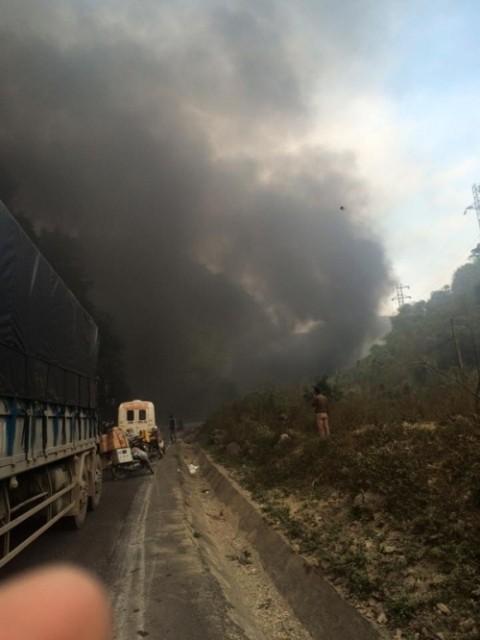 Xe bồn đâm xe khách: 3 người chết cháy, 25 người bị thương - ảnh 1