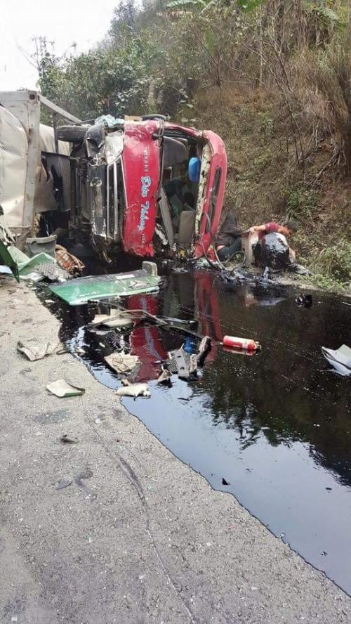 Xe bồn đâm xe khách: 3 người chết cháy, 25 người bị thương - ảnh 2