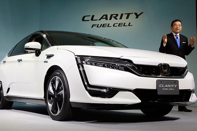 Honda ra mắt Clarity chạy gần 1.000 km bằng pin nhiên liệu  - ảnh 1