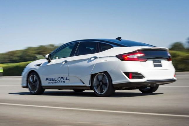 Honda ra mắt Clarity chạy gần 1.000 km bằng pin nhiên liệu  - ảnh 2