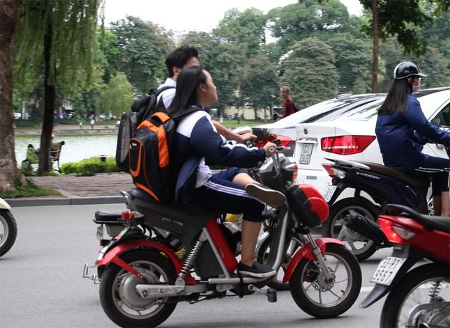 Giảm nhẹ hình thức kỷ luật học sinh vi phạm giao thông - ảnh 1