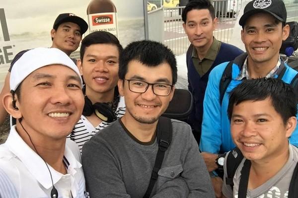 Nghệ sĩ Việt sốc trước tin Quốc Hương qua đời vì tai nạn máy bay - ảnh 1