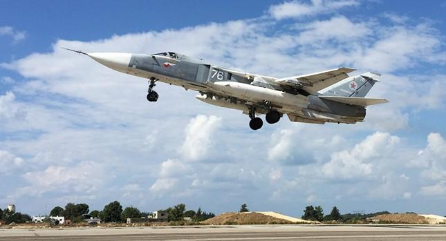 Nhóm chiến đấu cơ Nga đầu tiên cất cánh rời khỏi Syria - ảnh 1