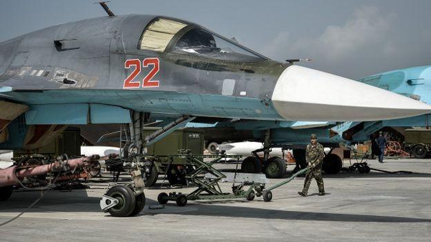 Nga vẫn giữ lại quân để tiếp tục không kích Syria - ảnh 1