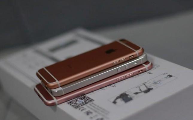 iPhone SE 'giá rẻ' bất ngờ có mặt tại chợ điện tử Trung Quốc - ảnh 1