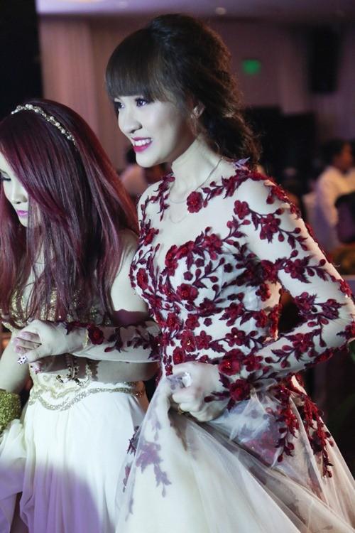 Mãn nhãn vẻ đẹp của nữ sinh ngân hàng - Cô dâu 9X của Nam Cường - ảnh 3