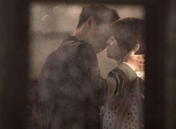 Song Hye Kyo - Song Joong Ki diện vòng đôi, công khai hẹn hò? - ảnh 2