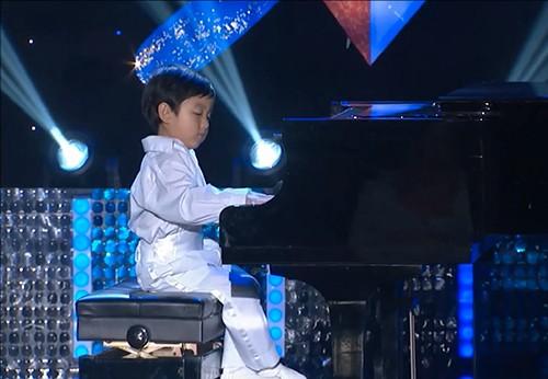 Người Mỹ 'phát cuồng' vì thần đồng piano gốc Việt 4 tuổi rưỡi - ảnh 2