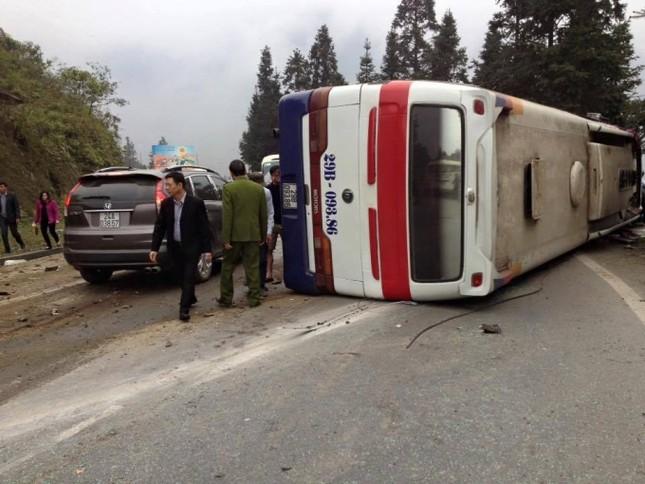 Hé lộ nguyên nhân vụ lật xe khách kinh hoàng tại Sa Pa sáng 16/3 - ảnh 1