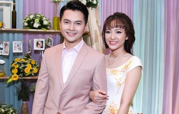 Hậu đám cưới, Nam Cường chia sẻ 'chuyến bay đầu tiên' cùng vợ 9X - ảnh 1