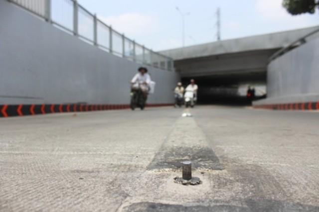 Hàng chục 'chông sắt' giăng bẫy trên đường Hoàng Sa - ảnh 1