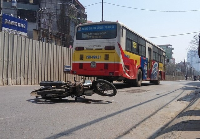 Sự trùng hợp bất ngờ về 2 vụ tai nạn chết người ở Cầu Giấy - ảnh 1