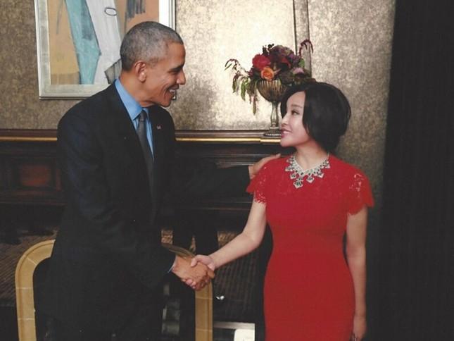 Diễn viên Lưu Hiểu Khánh khoe ảnh thân mật bên Tổng thống Obama - ảnh 2