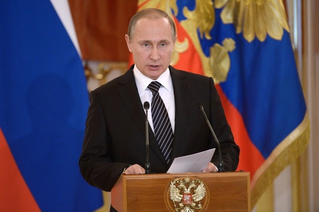 Tổng thống Nga Putin hé lộ chi phí chiến dịch không kích ở Syria - ảnh 1
