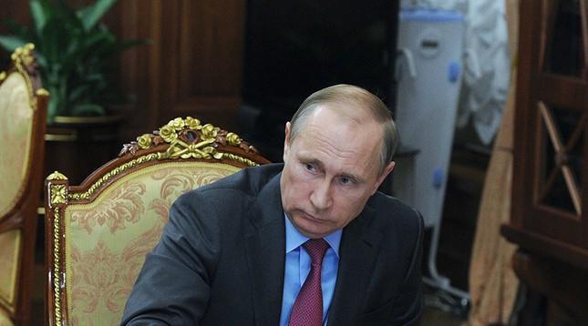'Vật thể lạ' tăng vọt doanh số nhờ xuất hiện trong ảnh ông Putin - ảnh 1