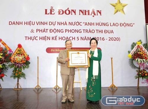 NGUT Lê Công Cơ vinh dự đón nhận danh hiệu Anh hùng Lao động - ảnh 1