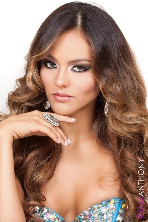 Chân dung Hoa hậu Hoàn vũ Puerto Rico bị 'truất ngôi vì chảnh' - ảnh 5