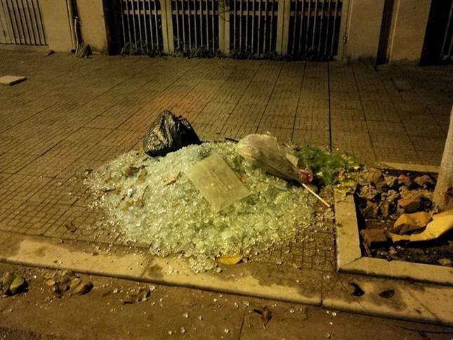 Nạn nhân vụ nổ ở Văn Phú: Kính văng khắp người, khâu 40 mũi - ảnh 2