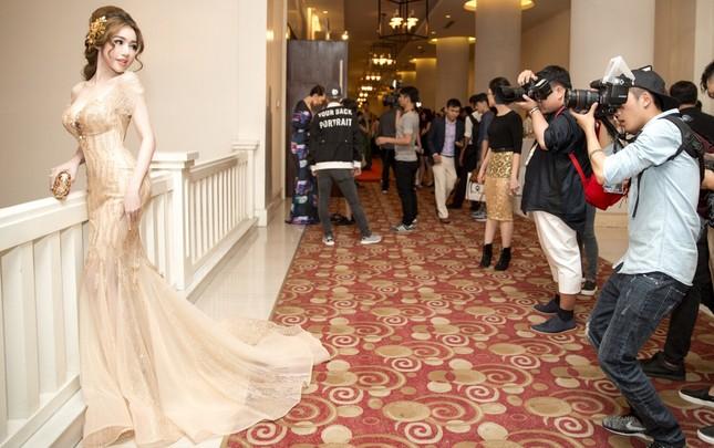 Ngắm '3 vòng khó cưỡng' của Elly Trần khiến báo Thái khen nức nở - ảnh 1