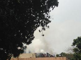 Cháy lớn ở Cung Thiếu nhi Hà Nội, huy động 4 xe cứu hỏa - ảnh 2