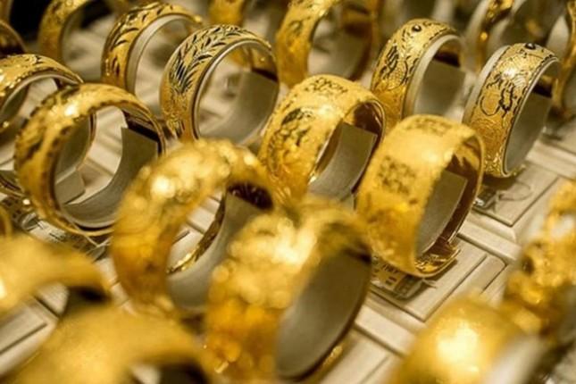 Giá vàng quay đầu giảm sâu tới 120.000 đồng/lượng - ảnh 1