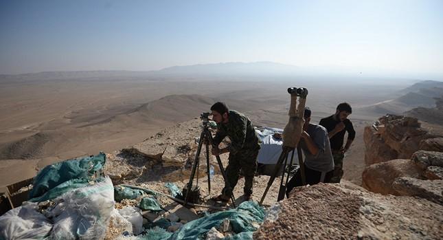 Tình hình Syria: Quân Assad xuyên thủng phòng tuyến IS ở Palmyra - ảnh 1