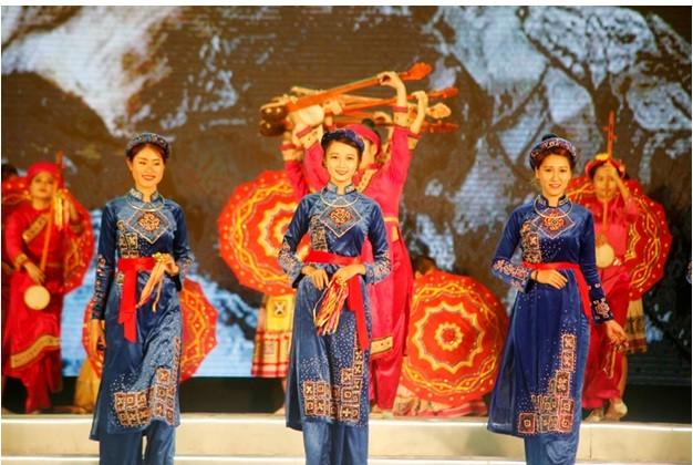 Khai mạc Lễ hội Hoa anh đào - Mai vàng Yên Tử, Hạ Long năm 2016 - ảnh 5