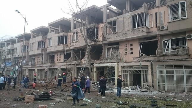 Vụ nổ kinh hoàng ở Hà Đông: Phát hiện nhiều vật liệu chế bom - ảnh 1