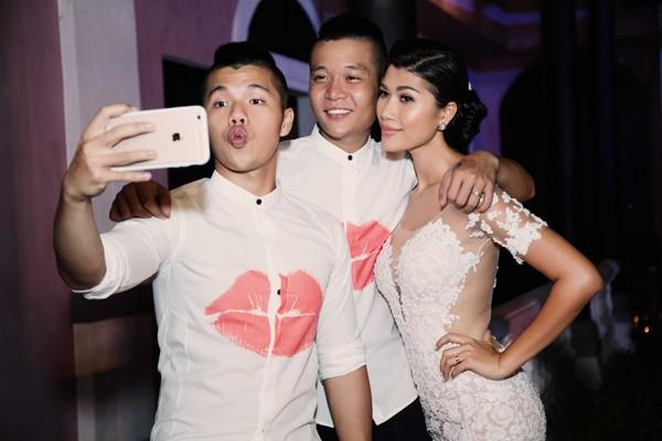 Trang Lạ gợi cảm bên chồng Việt kiều trong hôn lễ ở biệt thự - ảnh 10